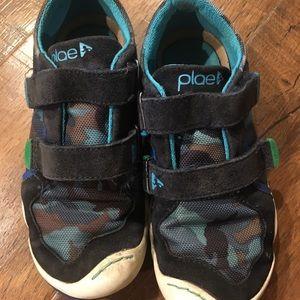 Plae boys shoes